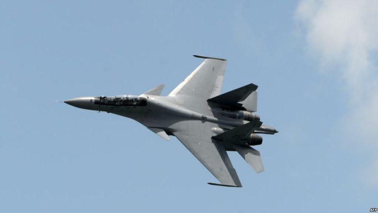 Aeroplanët e Kinës e interceptuan aeroplanin amerikan