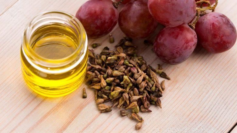 Ekstrakti i farës së rrushit lufton venat e zgjeruara