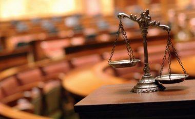 Një muaj paraburgim për dy zyrtarët korrektues - lejuan të paraburgosurin të arratiset nga QKUK