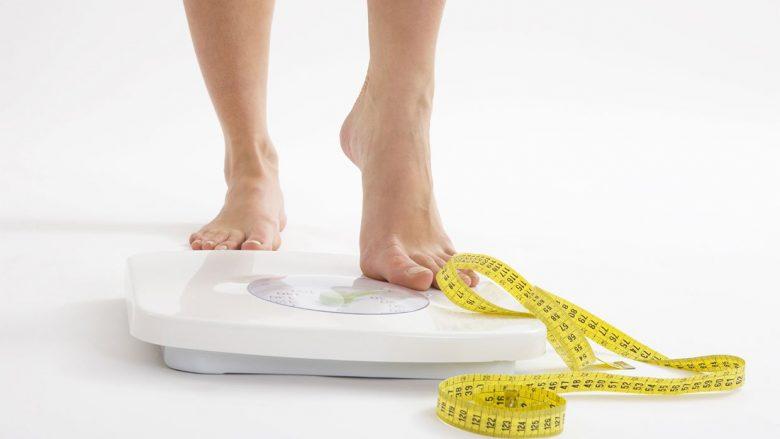 Humbja e peshës është rezultat i ushqimit të shëndetshëm, jo i gjenetikës