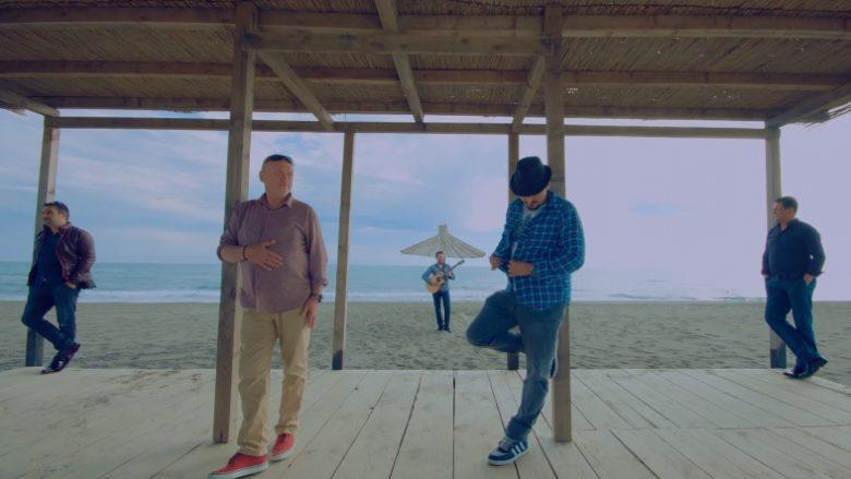 """Hekuran Krasniqi, Agimi dhe Fisnikët sjellin """"Kënga ime"""" (Video)"""