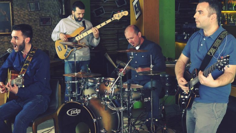 "Grupi Bystander sjell ""3 daire"" në versionin 'rock alternative' (Video)"