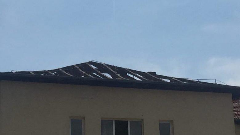 """Fillon rregullimi i çatisë në Shkollën fillore """"Liria"""" në Tetovë, problemi po zgjidhet (Foto)"""