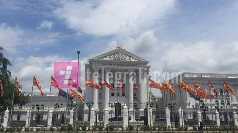 Qeveria e RM: Për ardhmërinë e Maqedonisë vendosin qytetarët, e jo Ivanov