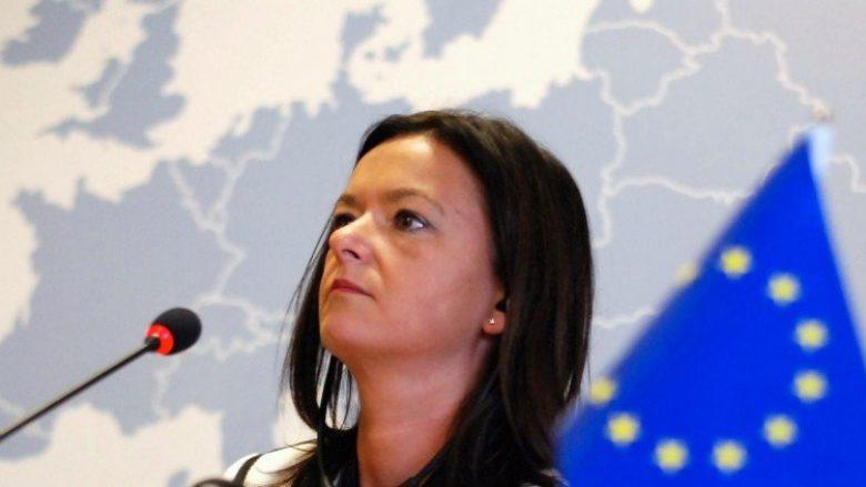 Tanja Fajon: Mos premtoni data për liberalizim të vizave