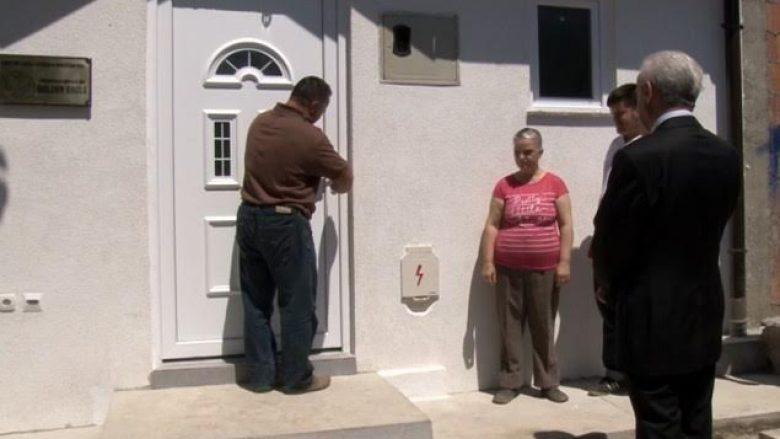 """Fondacioni """"Golden Eagle"""" bën me shtëpi një familje në Prizren"""