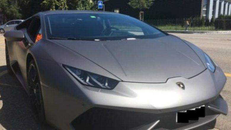 """Kosovarët """"fluturojnë"""" me Lamborghini nëpër lagje të banuara"""
