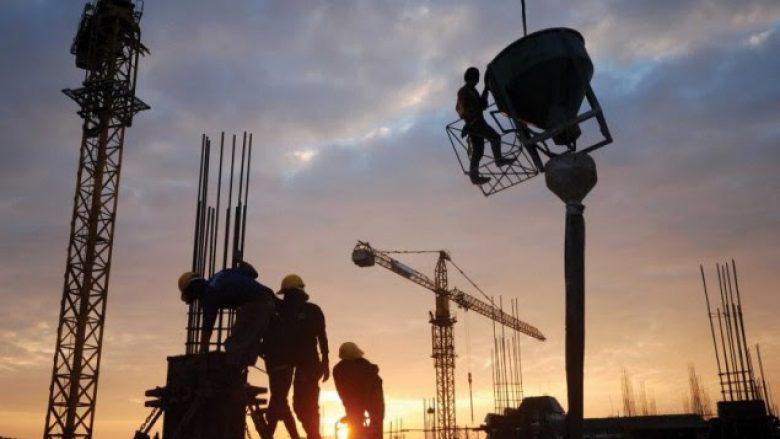 """Kompanitë në hall, """"nuk po gjejnë"""" punëtorë në Kosovë (Video)"""