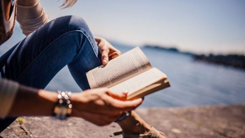 Përfitimet që i sjellë leximi: Pse duhet të lexoni çdo ditë