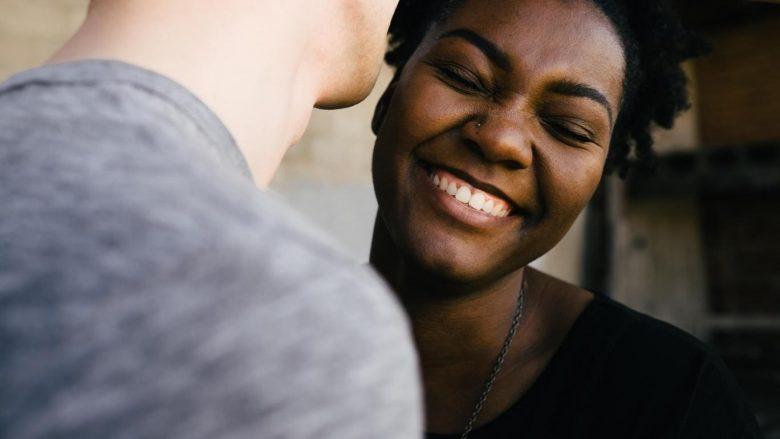 Gjërat që njerëzit e lumtur i kanë të përbashkëta