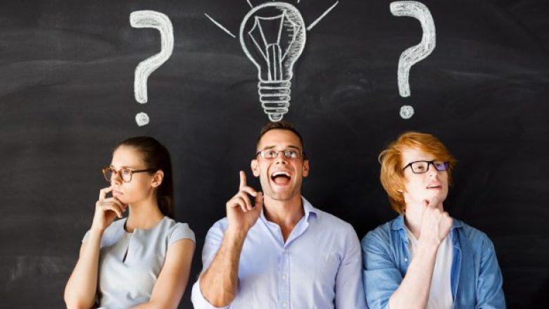 Dy pyetje të cilave saktësisht mund t'u përgjigjet vetëm dikush që është gjeni – apo skizofrenik