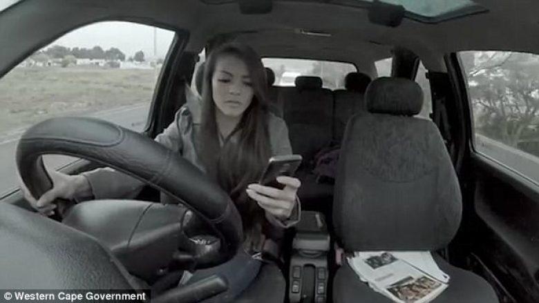 Fushatë vetëdijesimi: Mos e përdorni telefonin gjatë ecjes – sidomos jo gjatë vozitjes (Video)