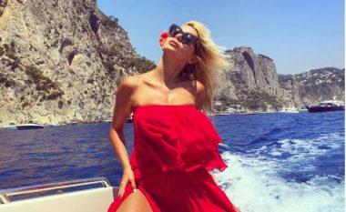Marina Vjollca shfaqet joshëse nga Capri (Foto)
