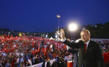 Erdogan, fjalim emocionues në përvjetorin e grushtit të shtetit