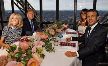 Donald Trump dhe Macron darkojnë me bashkëshortet në Kullën Eiffel (Foto)