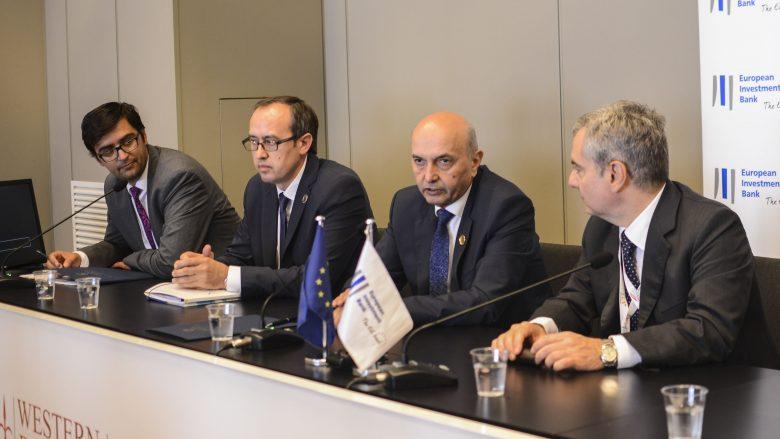 Mustafa nënshkruan Memorandum Mirëkuptimi me Bankën Evropiane të Investimeve
