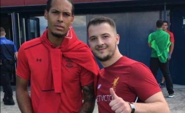 Van Dijk ia konfirmon tifozit shqiptar kalimin te Liverpooli (Foto/Video)