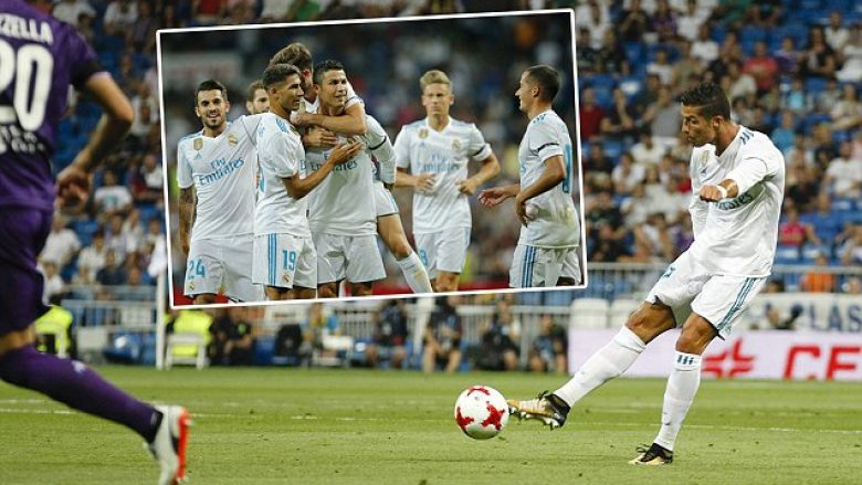 Cristiano Ronaldo dos Santos (7) Real Madrid's player. 37th SANTIAGO BERNABEU TROPHY, between Real Madrid vs Fiorentina match at the Santiago Bernabeu stadium, Madrid, Spain, August 23, 2017 . <P> Pictured: Real Madrid VS Fiorentina <B>Ref: SPL1561046  230817  </B><BR /> Picture by: Splash News<BR /> </P><P> <B>Splash News and Pictures</B><BR /> Los Angeles: 310-821-2666<BR /> New York: 212-619-2666<BR /> London: 870-934-2666<BR /> photodesk@splashnews.com<BR /> </P>