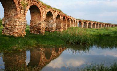 """""""Akuadukti i Shkupit"""", ujësjellësi antik i vetmi në Maqedoni (Foto/Video)"""
