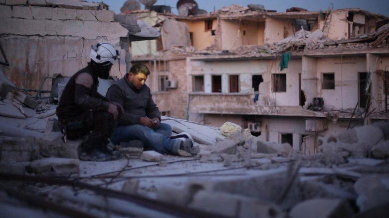 """""""Last man in Aleppo"""" shfaqet në Dokufest, paratë e biletave do të shkojnë në ndihmë të Manolja Kabashit"""