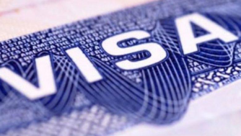 Një femër mashtron një tjetër për rregullim të vizave gjermane