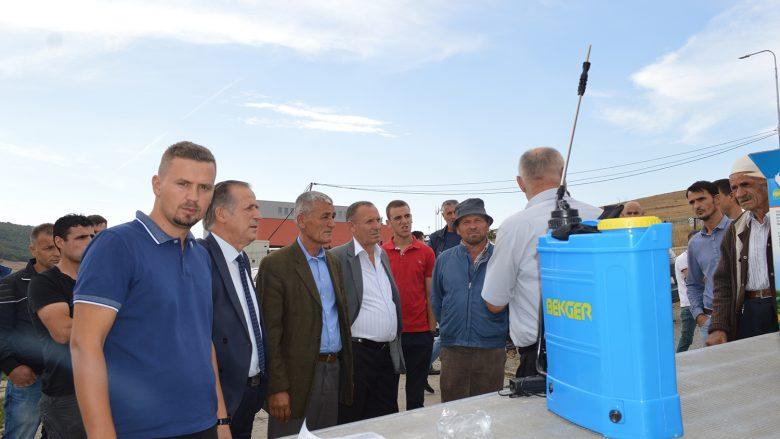 Komuna e Malishevës përkrahë 350 fermer me makina për spërkatje