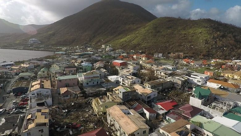 Pamje të filmuara nga droni tregojnë dëmet që i ka shkaktuar uragani Irma në Saint Martin (Foto/Video)