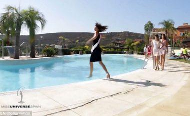 Miss Universe bie në pishinën plot me ujë, tentoi të bëjë një lëvizje interesante (Video)