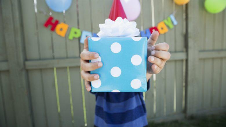 Disa thënie të cilat mund t'i shkruani në kartolinën e ditëlindjes