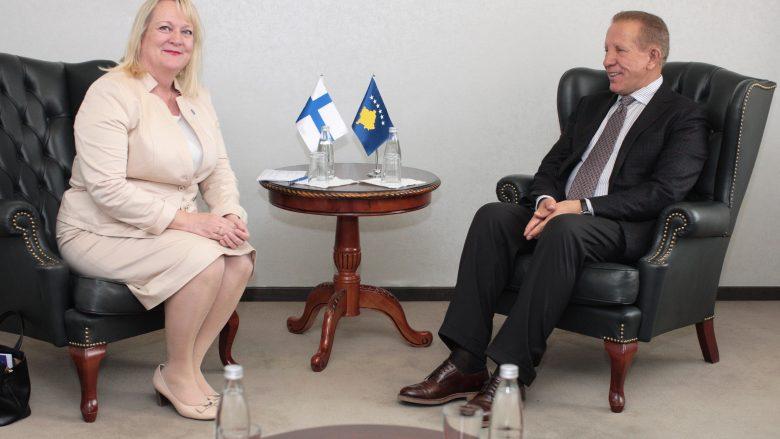 Pacolli takoi ambasadoren finlandeze, flasin për liberalizimin e vizave