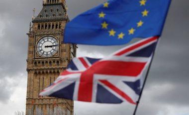 Britania kritikon Moody's