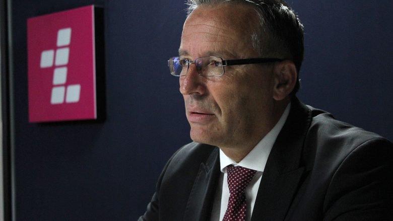 Hamza në dilemë për ta zbatuar vendimin për rritjen e pagave të qeveritarëve