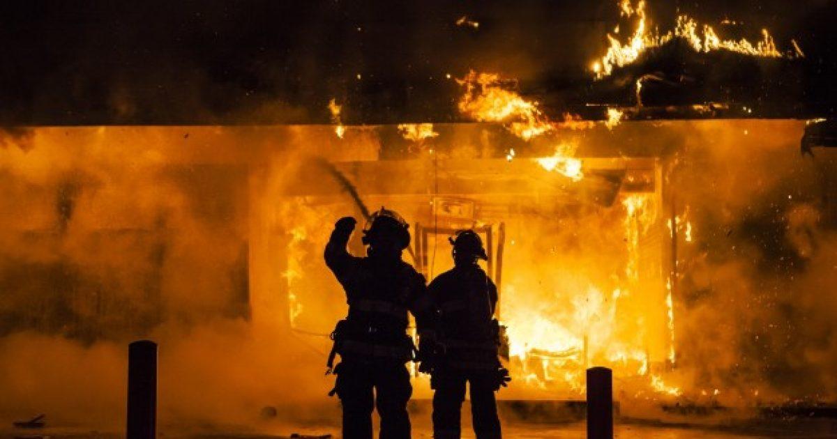 Shpërthen zjarri në restorant, dy të lënduar