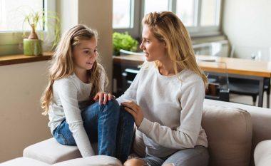 Çka mund ta pyesni fëmijën pas kthimit nga shkolla, pos – Si ke kaluar sot në shkollë?