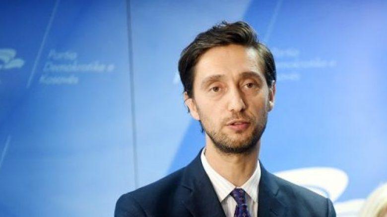 Kryetari i Sindikatës së Mjekëve të QKUK e sheh me dilema emërimin e mininistrit të Shëndetësisë