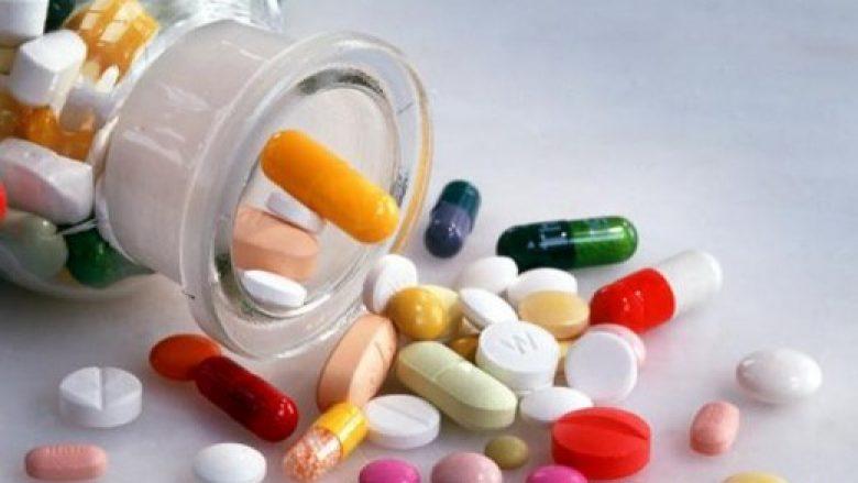 Hoti: Në prill pritet të stabilizohet furnizimi me barna