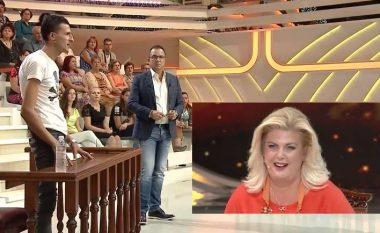 """I ftuari i deklaron """"dashurinë"""" publikisht, skuqet Eni Çobani – Gjebrea bëhet xheloz (Video)"""