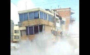 """Pamje apokaliptike nga Meksika: E gjithë ndërtesa """"shkundet"""" nga tërmeti, më pas shembet e tëra (Video)"""