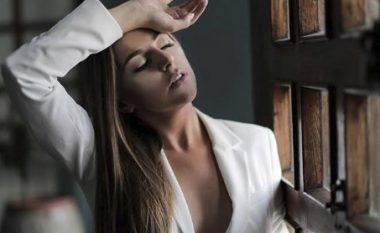 Jashtë kornizave të stilit të zakonshëm, Kejsi Tola vjen më atraktive dhe provokuese në fotosesionin e ri (Foto)