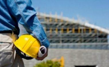 Rrëzohet muri i porsandërtuar, lëndohet rënd punëtori