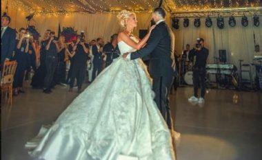 Dukja e yjeve në dasmën e Getoar Selimit dhe Marina Vjollcës (Foto)