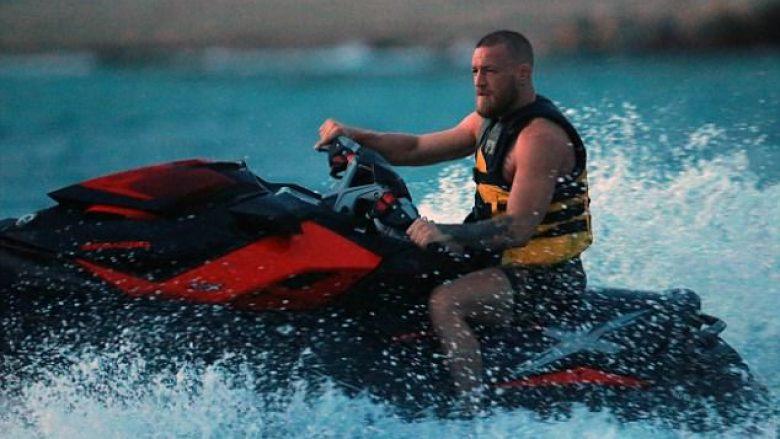 "McGregor nuk ndalet, vazhdon ""festën e humbjes"" (Foto)"