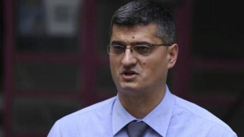 Rrahim Pacolli i kërkon Haradinajt ta shkarkojë ministrin Rikalo