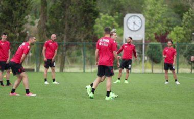 Panuccci stërvit Kombëtaren larg syrit të mediave, Koliçi në vend të Strakoshës