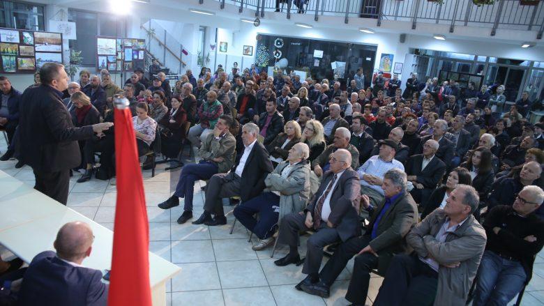 """Ahmeti në lagjen """"Dardani"""": Bashkë me juve, po e zhvillojmë lagjen dhe qytetin"""