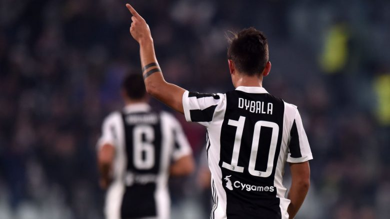 TURIN, ITALY - OCTOBER 25:  Paulo Dybala of Juventus celebrates after scoring his team's second goal during the Serie A match between Juventus and Spal on October 25, 2017 in Turin, Italy.  (Photo by Tullio M. Puglia/Getty Images)