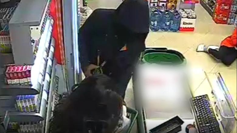 """Vjedhje të shumta nëpër markete, policia """"e pa aftë"""" në kapjen e hajnave! (Video)"""