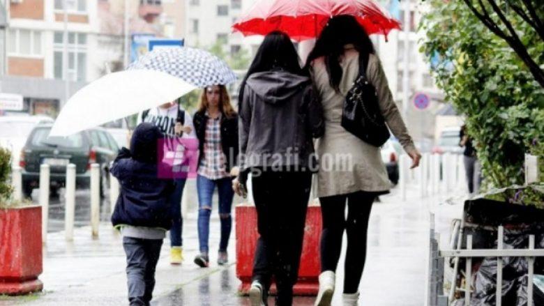 Moti sot, vranët dhe me riga shiu