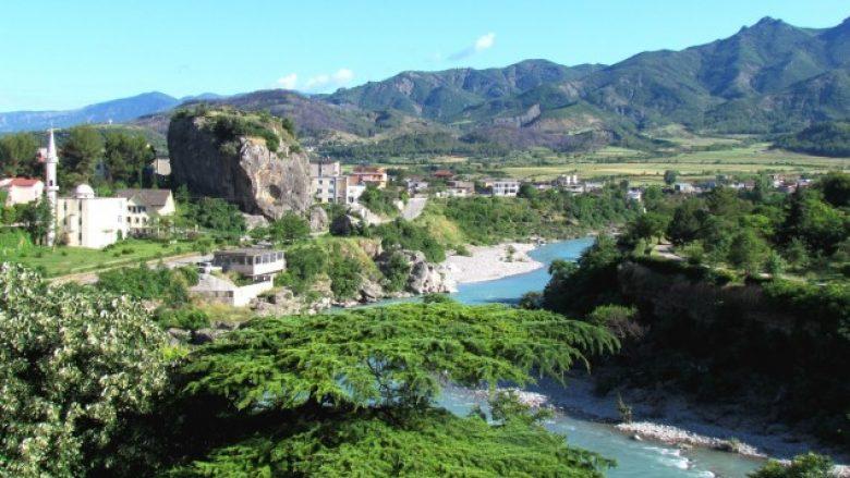 """""""Qyteti i trëndafilave"""", i preferuari i rreth 25 mijë turistëve vendas e të huaj"""