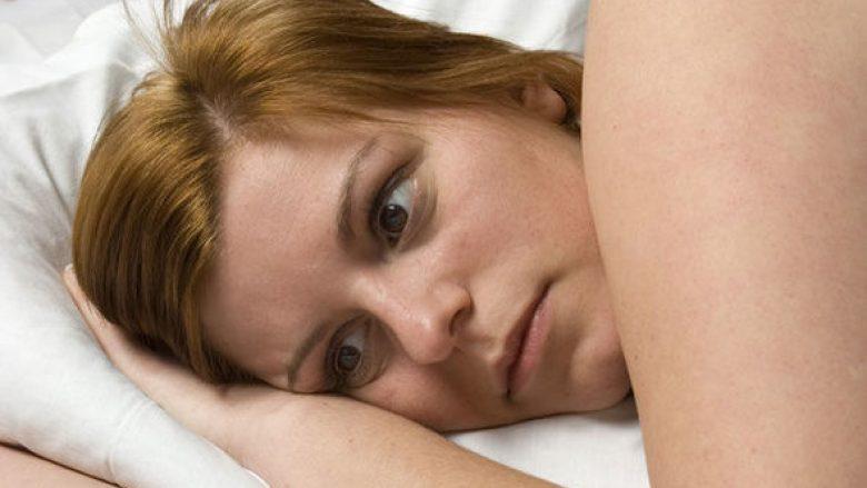 Pse po zgjohem nga gjumi shumë herët? Përgjigjet doktoresha